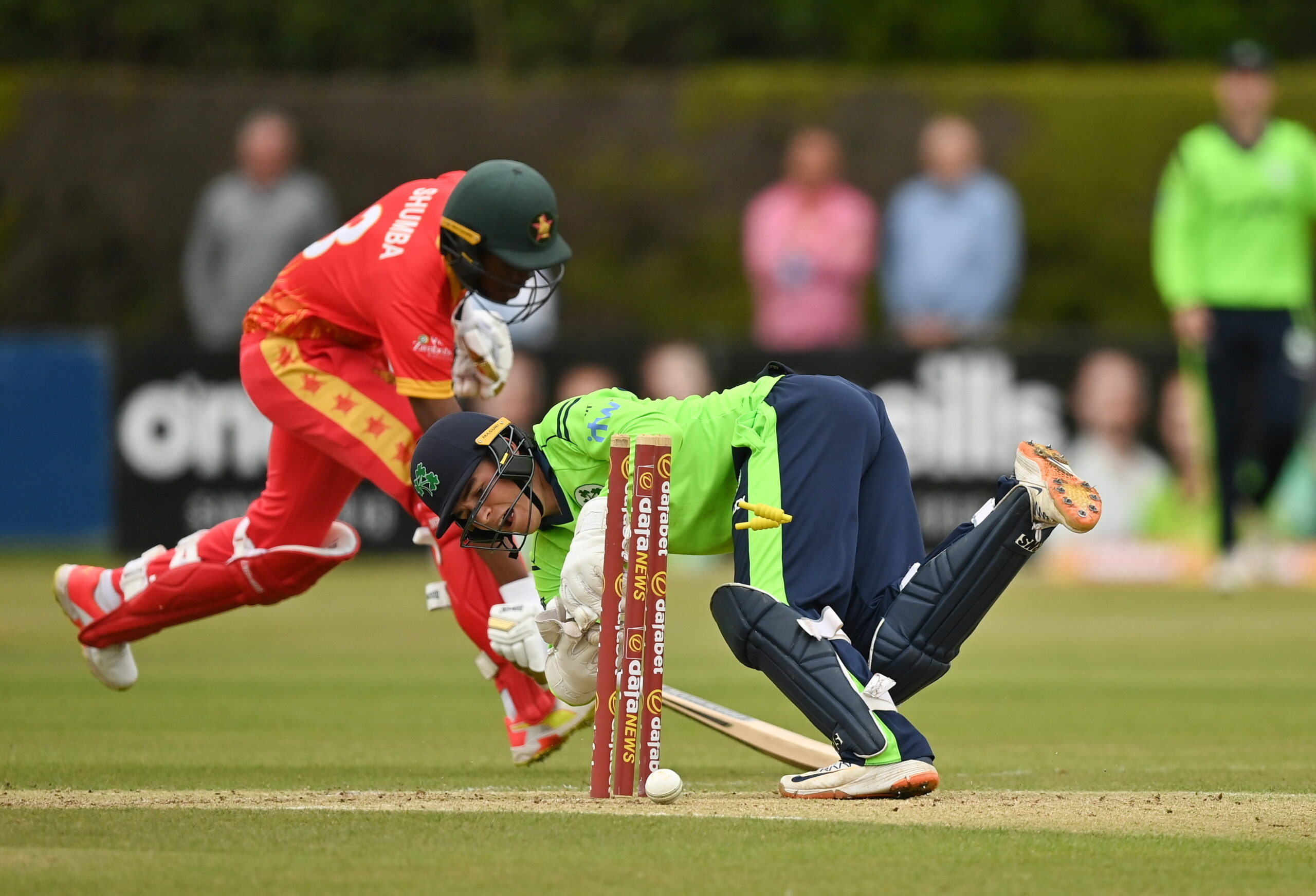 Read more about the article Shumba, Burl fireworks in vain as Ireland level series